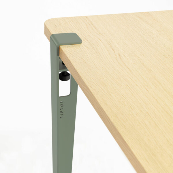 BRIXTON dining table – eco-certified wood