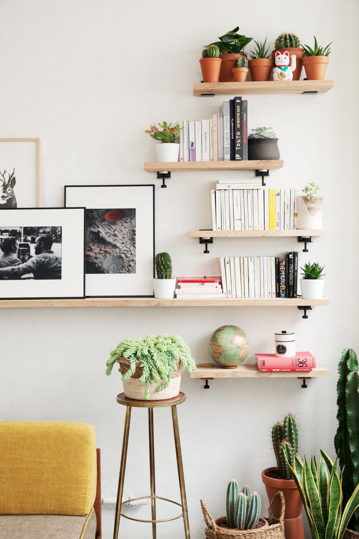 Exceptionnel Lu0027accroche Murale TIPTOE Permet De Créer Une étagère Avec De Nombreuses  Tablettes Ou Un Bureau Mural Avec Les Pieds TIPTOE