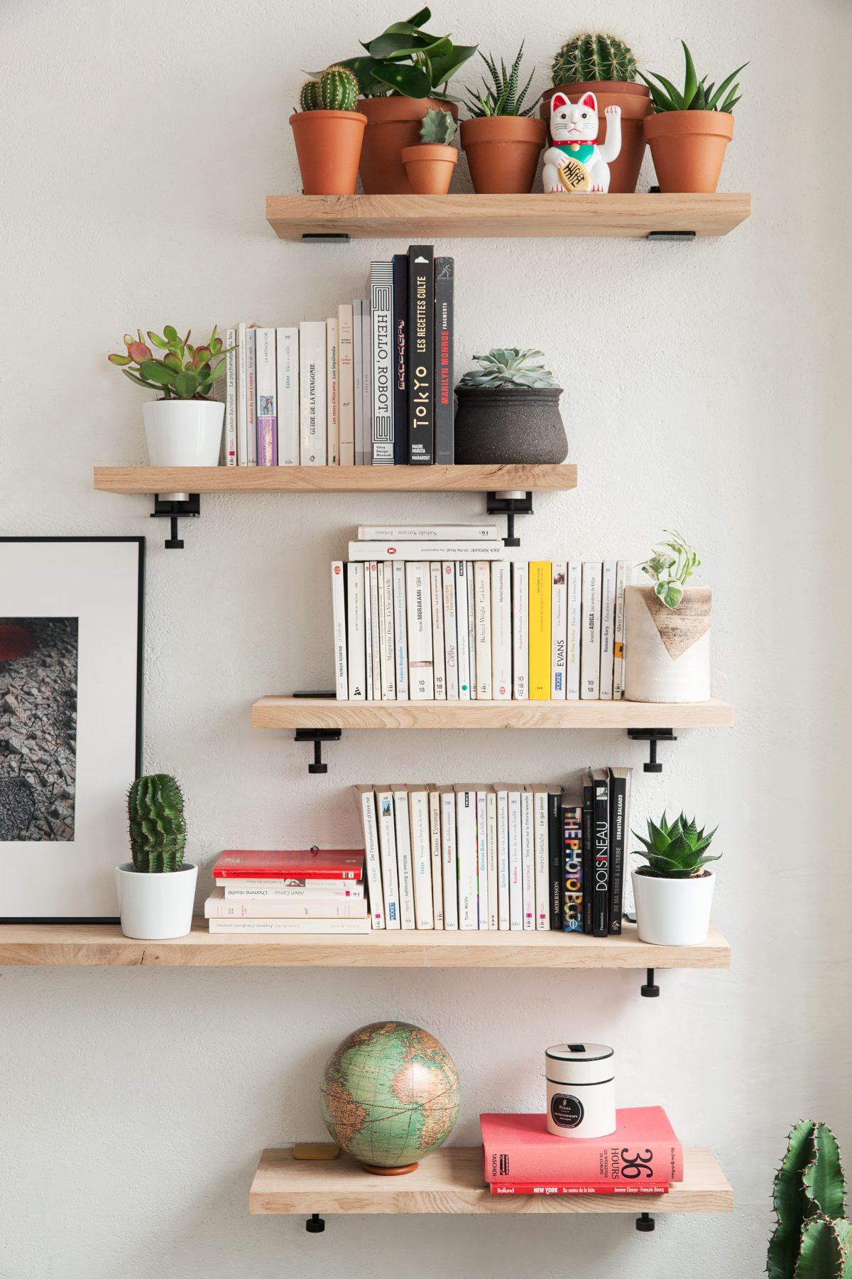 Wall Bracket Create Unique And Creative Tiptoe Shelves