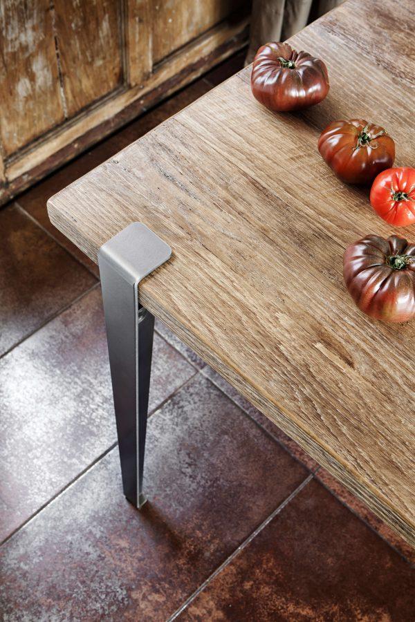 Table TIPTOE 150x75cm en vieux bois chêne et pied en acier brut 75cm vue de haut