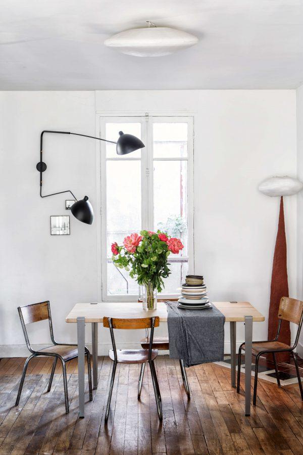 Table de salle à manger TIPTOE en chêne massif 150x75cm et pieds 75cm en acier brut