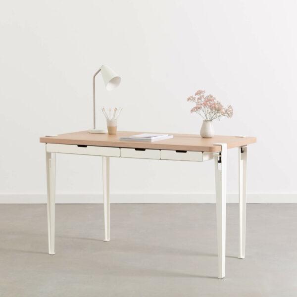 MONOCHROME desk