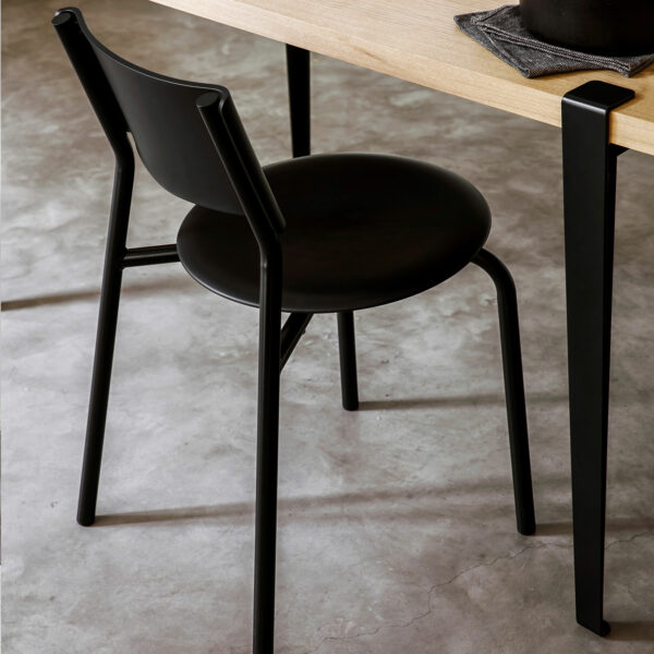 SSDr chair – recycled plastic