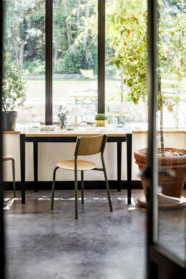 MONOCHROME desk – eco-certified wood
