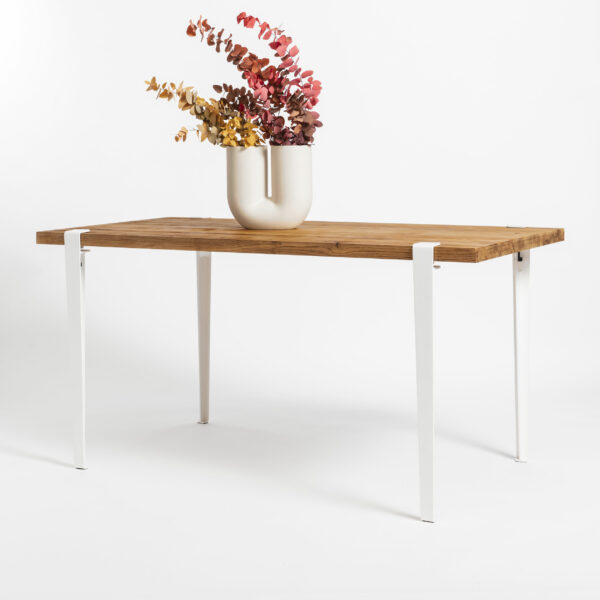 Unique and warm dining table in relcaimed wood TIPTOE