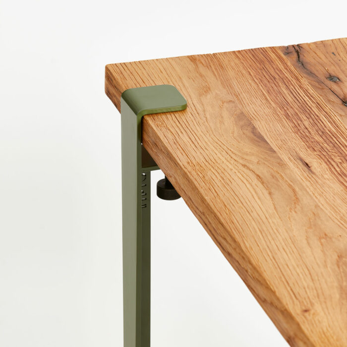 Plateau de table en bois ancien recyclé avec pied acier TIPTOE