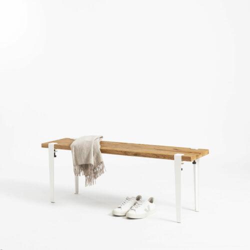 Banc avec pieds en acier blanc et en bois ancien recyclé TIPTOE