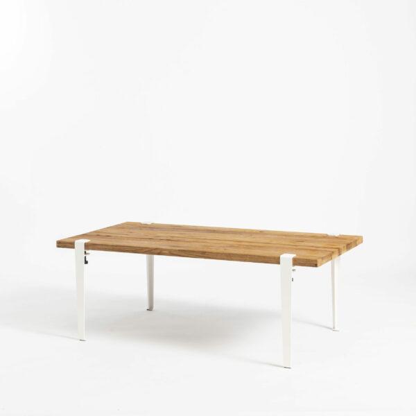 Table basse pour salon chaleureux en bois ancien