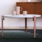 Table basse acier et plastique recyclé blanc et rose