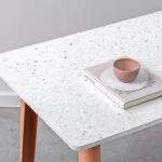 Table à manger NEW MODERN - plastique recyclé