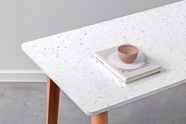 Table à manger NEW MODERN – plastique recyclé