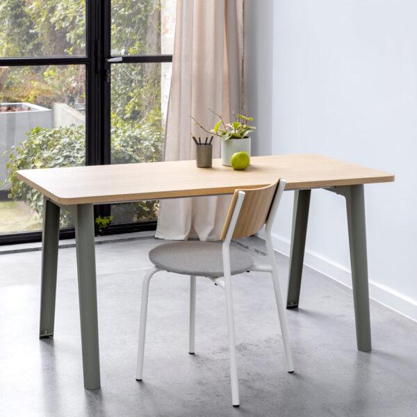 NEW MODERN desk – eco-certified wood