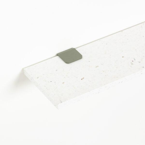 White Venezia shelf in recycled plastic – 60x20cm